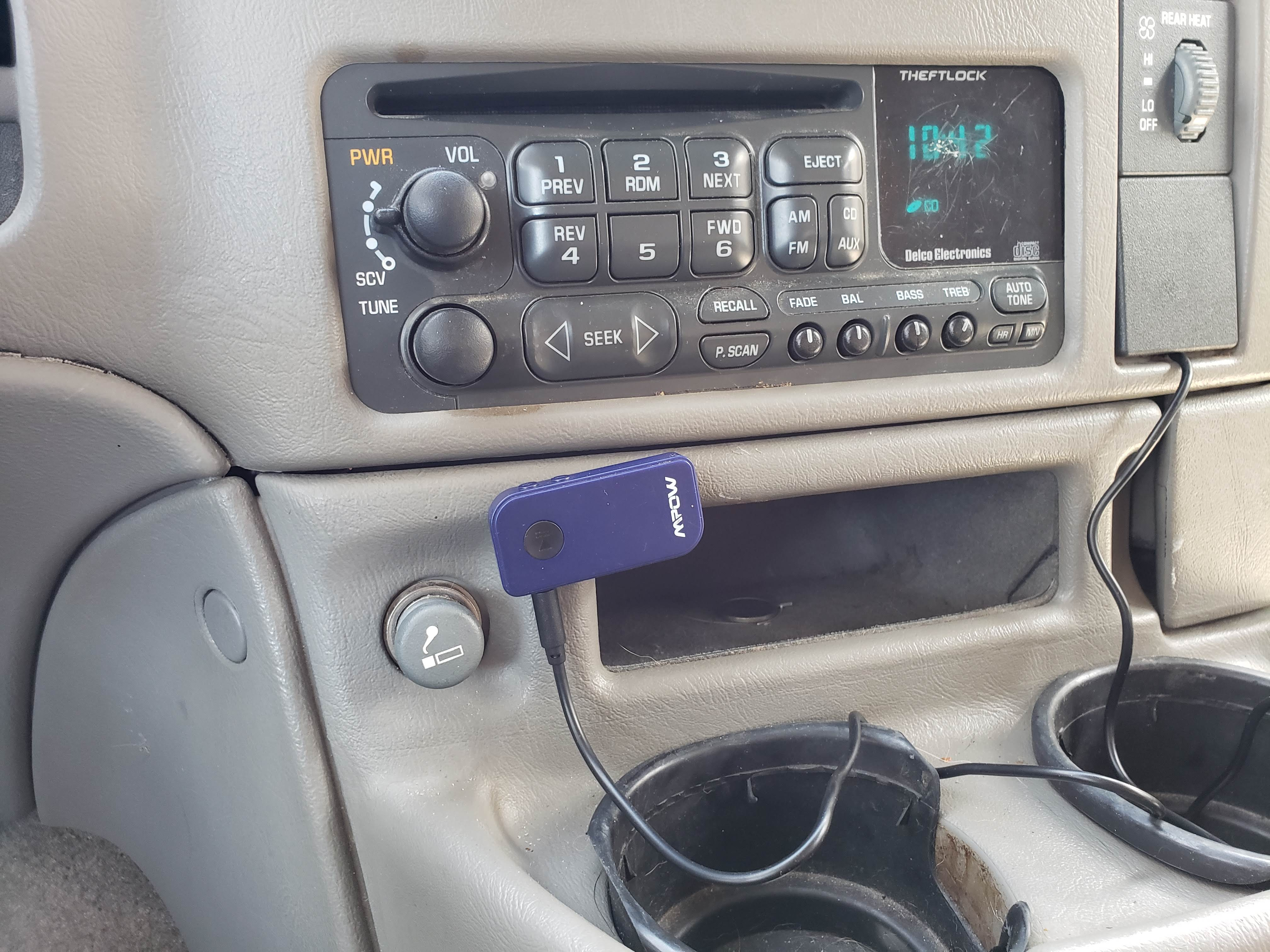 $3 - 2003 Factory Radio AUX inpu...