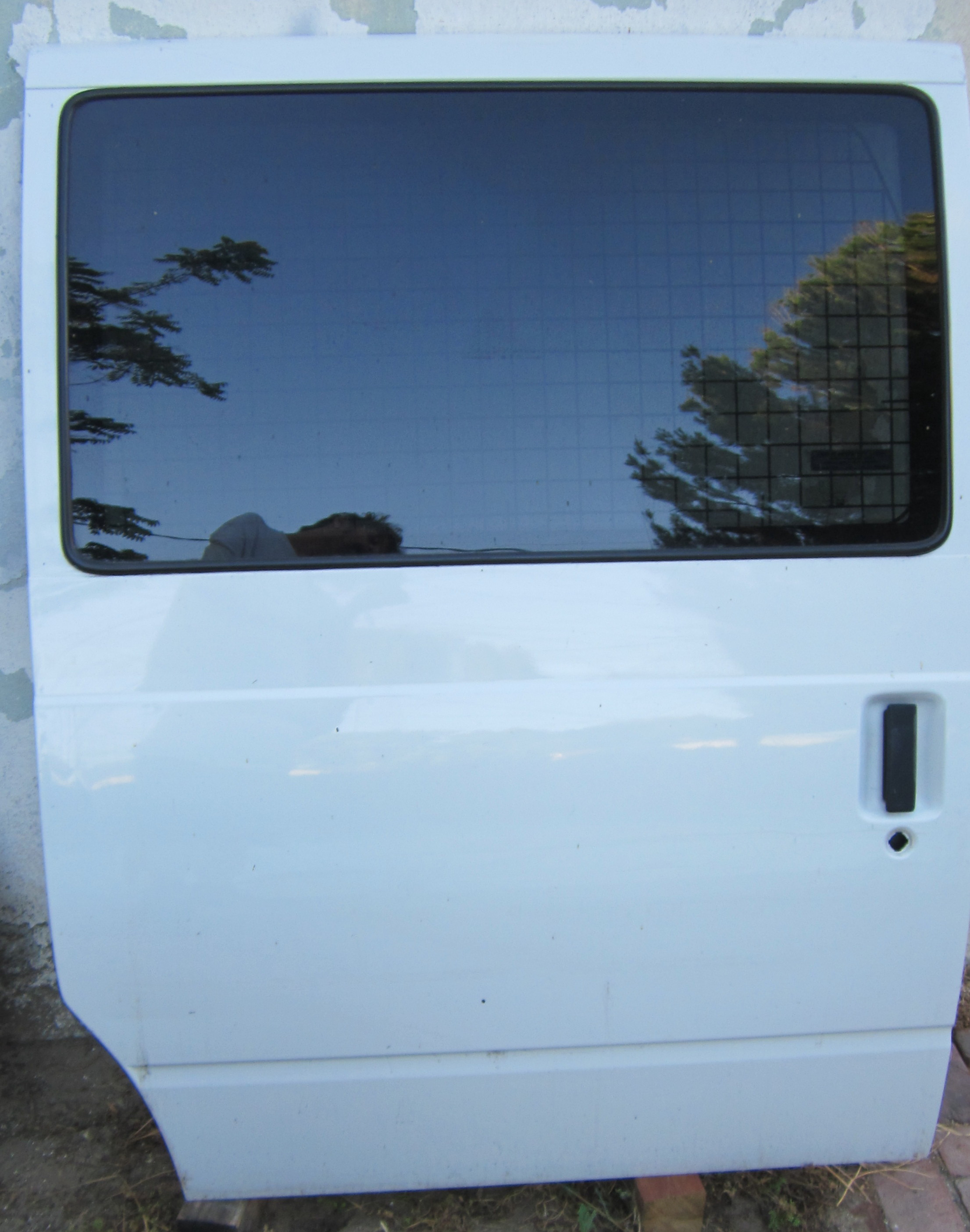 Cargo sliding door with window i...